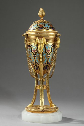 Pair of cloisonné bronze cassolettes -