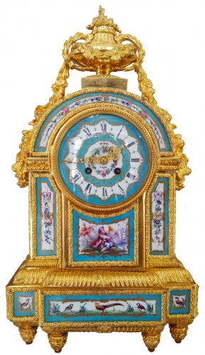 Large pendulum clock in bronze and enameled porcelain plates