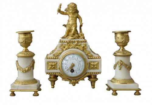 Charming gilt bronze and white marble Garniture