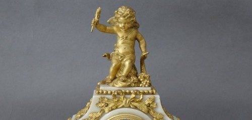 Charming gilt bronze and white marble Garniture - Horology Style