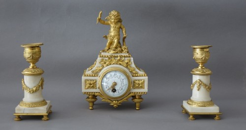 Horology  - Charming gilt bronze and white marble Garniture