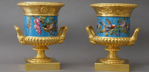 Pair of vases, gilded and enamelled bronze - Decorative Objects Style
