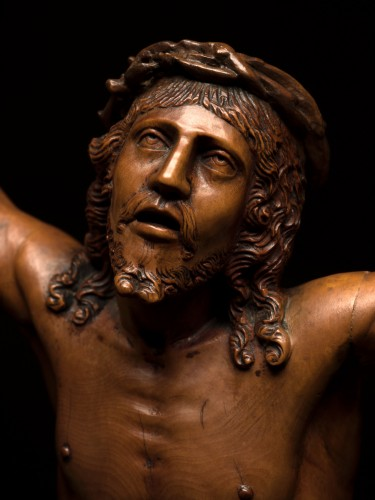 German boxwood figure of Cristo Vivo -