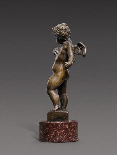 Bronze Figure of Young Cherub on porphyry base, Workshop of Roccatagliata - Sculpture Style