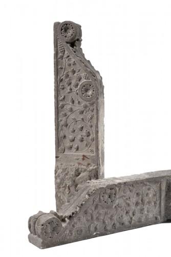 Pair of Pietra Serena Italian architectural brackets, Tuscany, 1600 circa