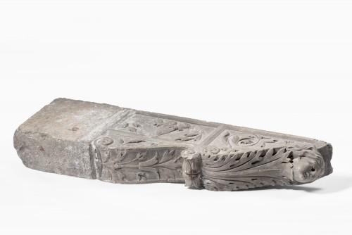 Sculpture  - Pair of Pietra Serena Italian architectural brackets, Tuscany, 1600 circa