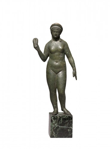 Bronze figure of aphrodite, Roman Empire circa 2nd Century A.D
