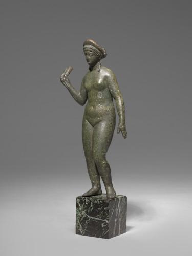 Bronze figure of aphrodite, Roman Empire circa 2nd Century A.D - Ancient Art Style
