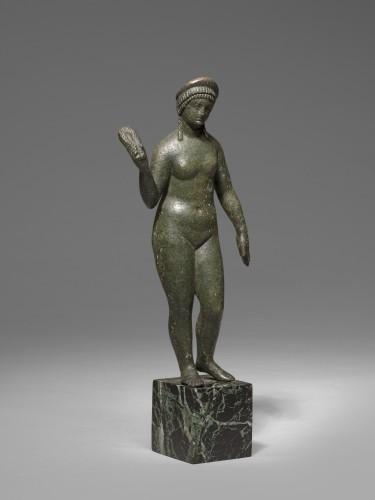 Ancient Art  - Bronze figure of aphrodite, Roman Empire circa 2nd Century A.D