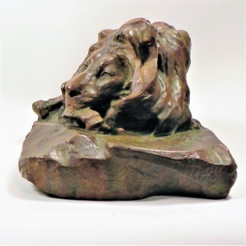 Sculpture  - Old Lying Lion - Josuë Dupon (1864-1935)