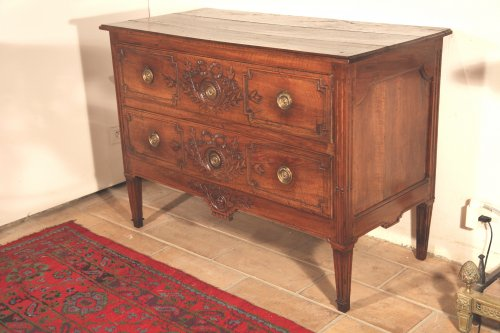 French provencal 18th c  marriage commode in walnut  - Furniture Style Louis XVI