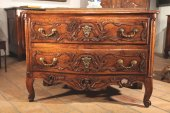 18thC Commode (chest of drawers)comprising 2 drawers.Walnut wood.Provence