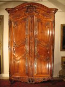 18th C  Marriage Armoire in walnut wood, from Arles (Provence)