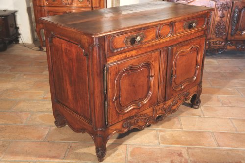 18th C  Louis XV buffet (dresser) in walnut wood, from Provence - Furniture Style Louis XV