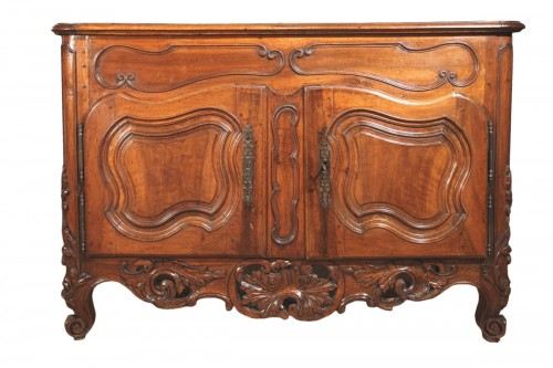 "18th C ""Credence"" (sideboard) from Nîmes in walnut wood"