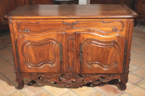 "18th C ""Credence"" (sideboard) from Nîmes in walnut wood - Furniture Style Louis XV"