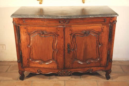 18th C Louis XV Hunter buffet (dresser) in blond walnut wood - Furniture Style Louis XV