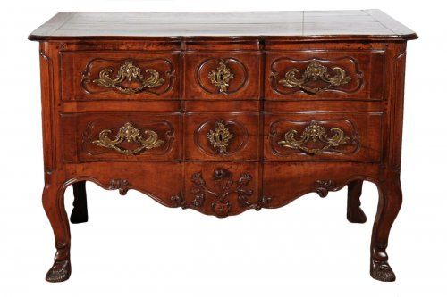 "18thC Louis XV ""sauteuse"" Commode from Provence"