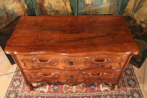 Furniture  - French provincial 18th C  Louis XV commode (chest of drawers)