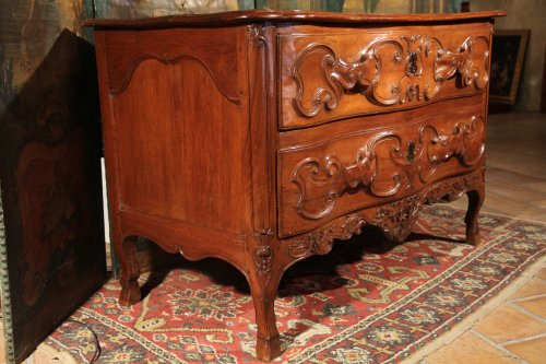 French provincial 18th C  Louis XV commode (chest of drawers) -