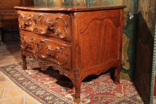 18th century - French provincial 18th C  Louis XV commode (chest of drawers)