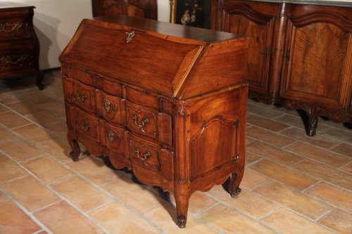 "Furniture  - 18th C writing ""commode"" (chest of drawers) from Provence"