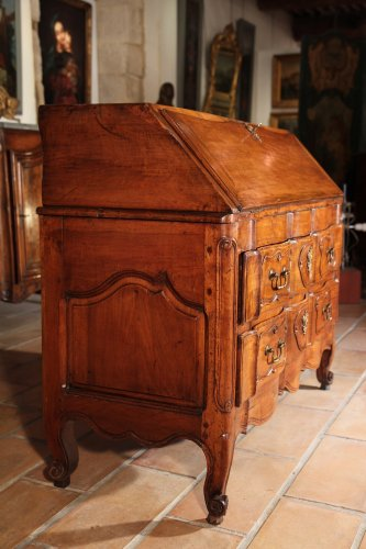 "18th C writing ""commode"" (chest of drawers) from Provence -"