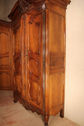 "End of 18th C marriage ""armoire"" (wardrobe). In walnut wood. From Nîmes. -"