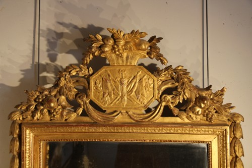 Late 18th C  Louis XVI mirror in carved and gilt wood From Provence - Mirrors, Trumeau Style Louis XVI