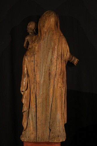 The Virgin and Child. Alder wood .Traces of polychrome. Late 17th-early 18t -