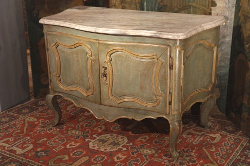 18th C Louis XV hunter buffet (dresser) from Provence - Furniture Style Louis XV