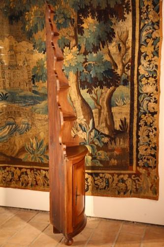 Early 19th C little Alsatian corner cupboard. In walnut wood. - Furniture Style