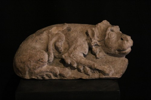 12th C Romanesque Sculpture. A lying lion, in limestone - Sculpture Style Middle age