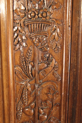 18thC Marriage Armoire (wardrobe) from Nîmes - Furniture Style