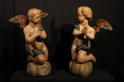 17thC Pair of angels in polychrome wood. Alpine work, Tyrol or Savoy. - Sculpture Style