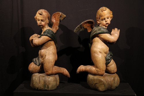 17thC Pair of angels in polychrome wood. Alpine work, Tyrol or Savoy. -