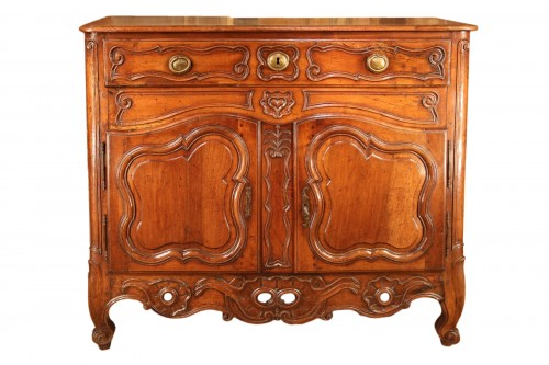 Late 18th C Marriage buffet (sideboard) from the Languedoc. In walnut wood.