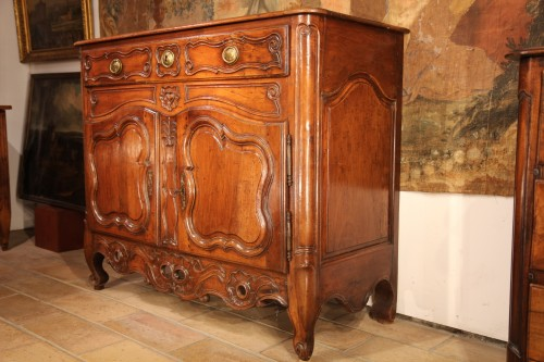 Late 18th C Marriage buffet (sideboard) from the Languedoc. In walnut wood. - Furniture Style