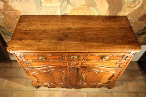 18th century - Late 18th C Marriage buffet (sideboard) from the Languedoc. In walnut wood.