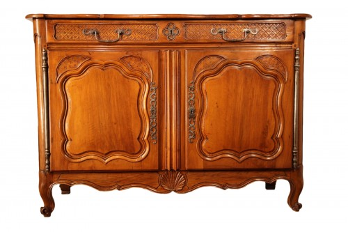 18th C Important buffet (sideboard) from Marseille in walnut wood.