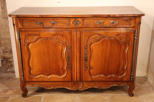 18th C Important buffet (sideboard) from Marseille in walnut wood. -