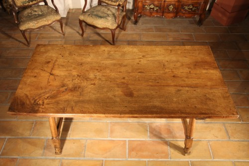 Furniture  - Early 18th C Genovese table. In walnut wood