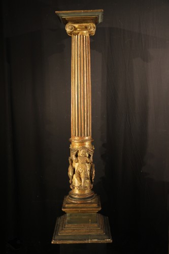 16th C column  in gilt and lacquered wood. From Italy - Sculpture Style