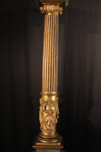 16th C column  in gilt and lacquered wood. From Italy -