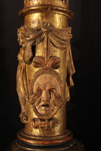 <= 16th century - 16th C column  in gilt and lacquered wood. From Italy