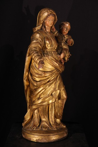 Virgin and Child in gilt and polychrome wood- 17th C statue from Provence - Sculpture Style