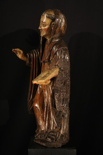 16th C Statue in polychrome walnut wood representing Saint Benedict. France - Sculpture Style