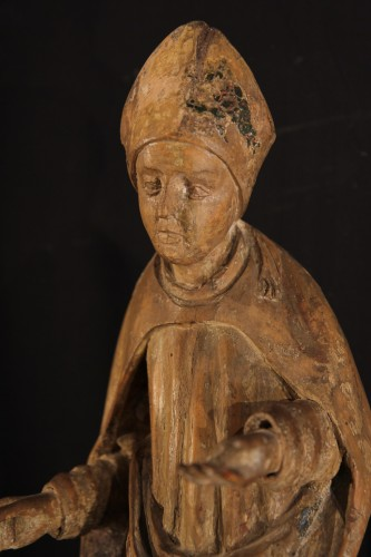 Sculpture  - 16thC statue. Saint bishop in lime wood with traces of polychromy.