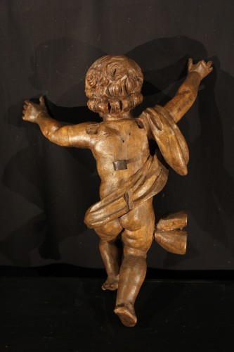 Sculpture  - 17th C Pair of little angels in carved and patinated limewood .