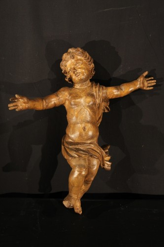 17th C Pair of little angels in carved and patinated limewood . -